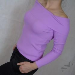 Блуза с остро деколте